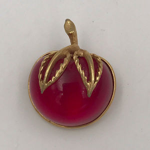 VINTAGE 1970s Sarah Coventry Cherry Lucite Brooch